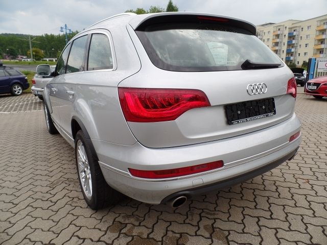 audi q7 4 2 tdi quattro cuir gps camera 7 places occasion vendee 85. Black Bedroom Furniture Sets. Home Design Ideas