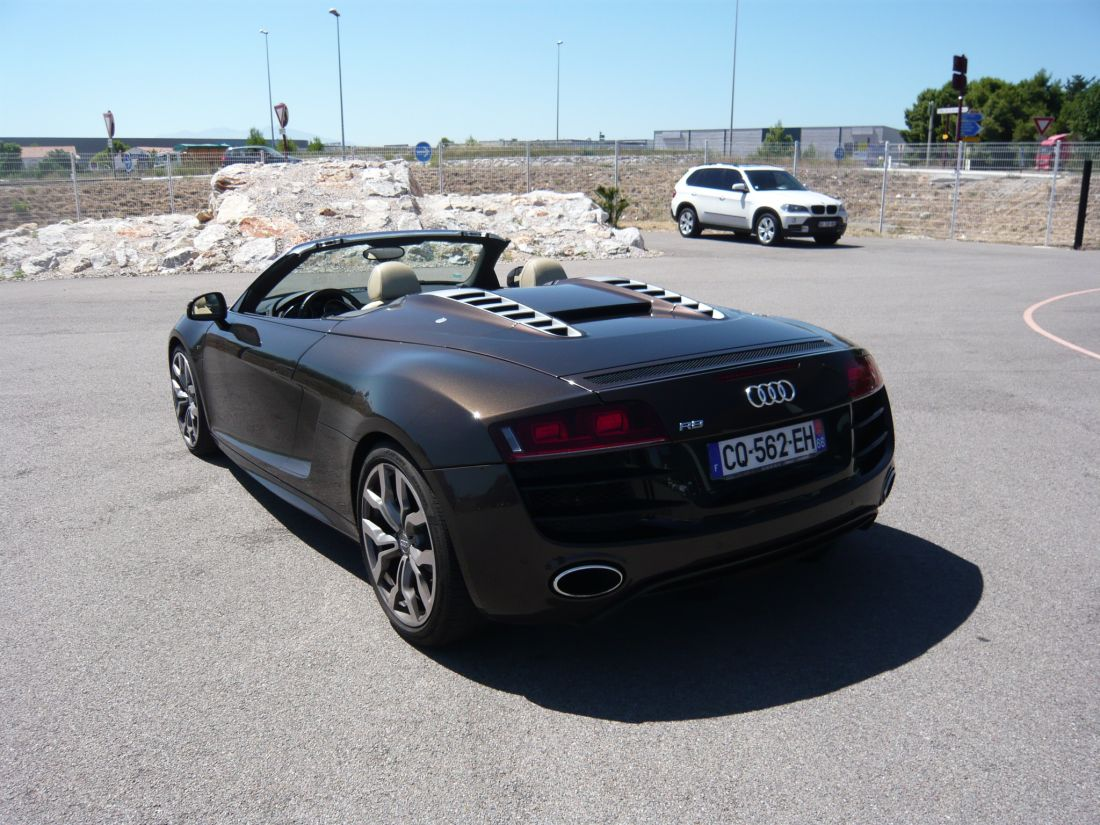 audi r8 v10 fsi 525 r tronic spyder occasion pyrenees orientales 66. Black Bedroom Furniture Sets. Home Design Ideas
