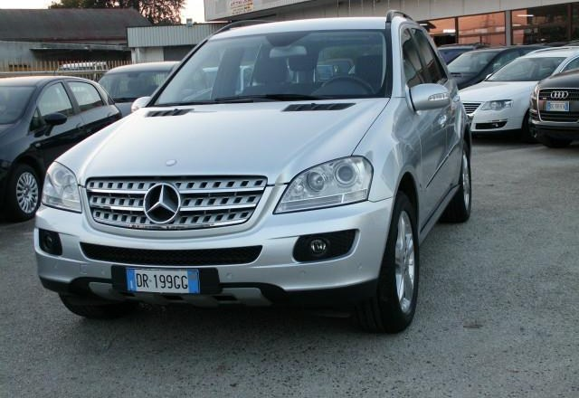 mercedes classe ml 320 cdi 4matic 7g tronic 2008 occasion vendee 85. Black Bedroom Furniture Sets. Home Design Ideas