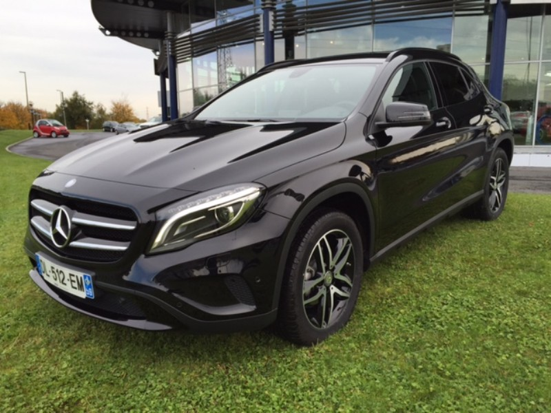 mercedes gla classe 220 cdi 4matic sensation 7g dct 2014. Black Bedroom Furniture Sets. Home Design Ideas